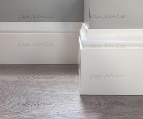 Rodapie blanco lacado para suelos laminados grupo julio diaz - Rodapies altos ...