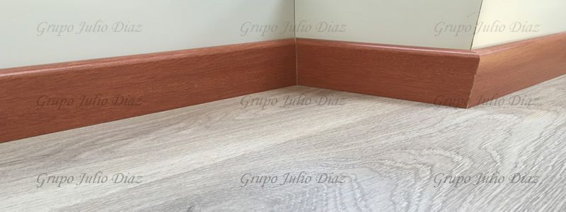 rodapies color jatoba